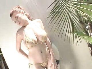 Sports illustrated gold bikini - Tessa fowler - gold bikini shower 2