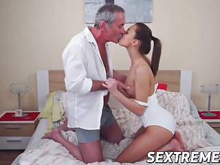 Condom magnum Hot katy rose gets pussy banged by old big dick max magnum