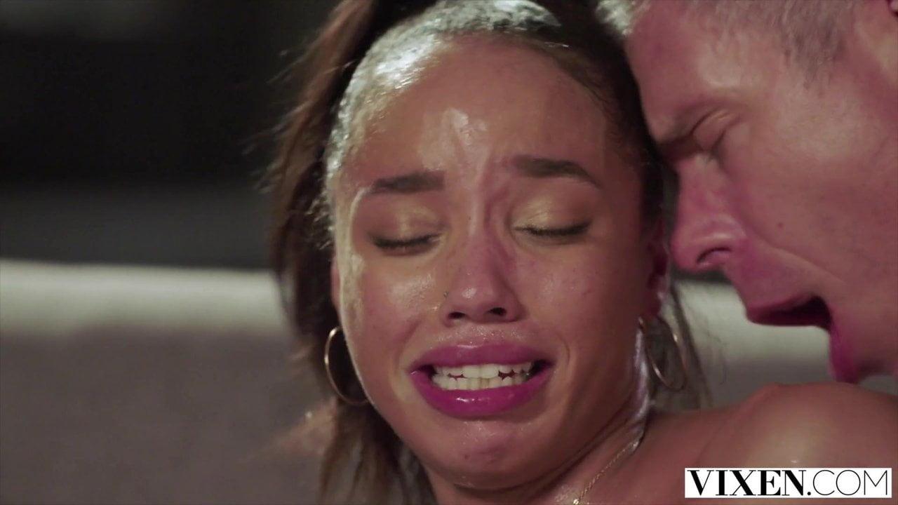 گریه نکن این فقط یه سکس خشنه