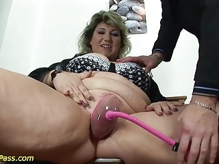 First sex teacherst milf lesson Fat moms first extreme porn lesson