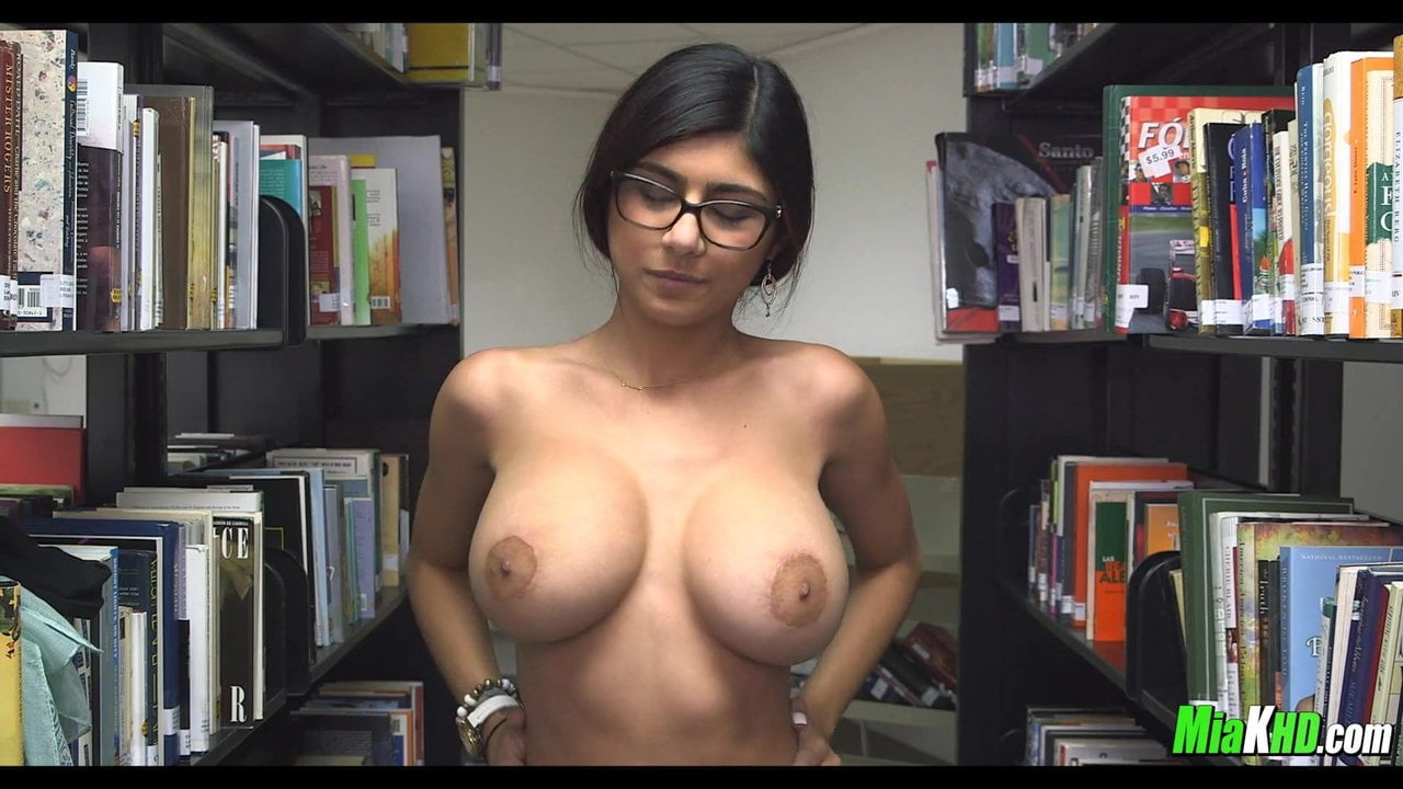 Mia khalifa gangbang porn pics