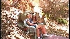 Itty, сисечки, Kayla делится членом в лесу