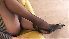 More Asian girls pantyhose upskirt