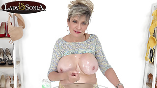 Jerk off instructions from big tit mature Lady Sonia