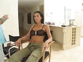 Milfs getting it hard - Lesly zen gets it hard