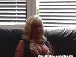 Phone sex service Big boobed mature blonde housecall sex service