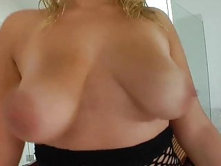 Blonde 30s likes sex - Chubby girl likes sex