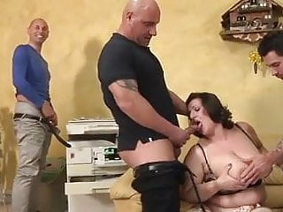 Suprise double penetration Bbw mature italiana exploited - double penetration