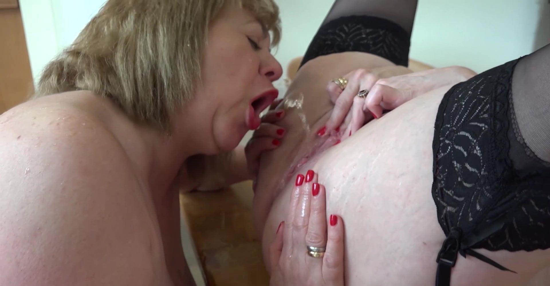 Ebony Lesbian Ass Cleaning