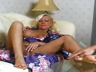 Oma fuss sex - Pussy wichsen und fuss massage