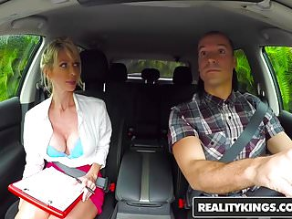 I fucked gina hunter Realitykings - milf hunter - license to fuck