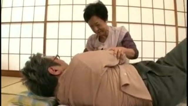 【高齢熟女】七十代半ば超えの古希婆ちゃん息子ともマゴとも近親相姦セックスでお盛んです!