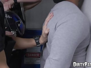 Thumb felon - Fourway loving milf joslyn spreads legs for felon cock