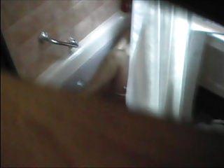 Free voyeur spy tubs Real spy cam tub