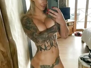 Naked tattoo women porn Show off naked tattoo girl