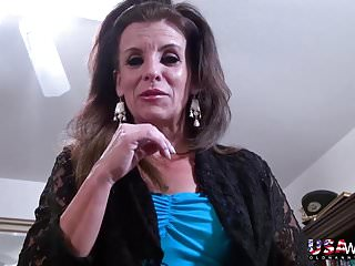 Mature women sucking pussy Usawives sexy mature women solos compilation
