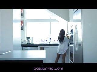 Big boob milfhunter - Passion-hd big boob secretary stays the night