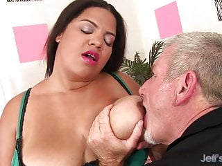 Fat old pussy fucked - Old man pummels fat latina lady spices premium plump pussy