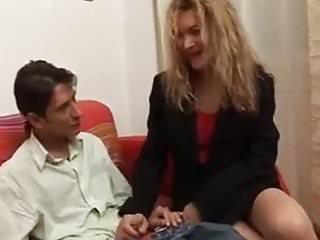 E porno web cams Trova con il giornale porno e si fa sfondare il culo