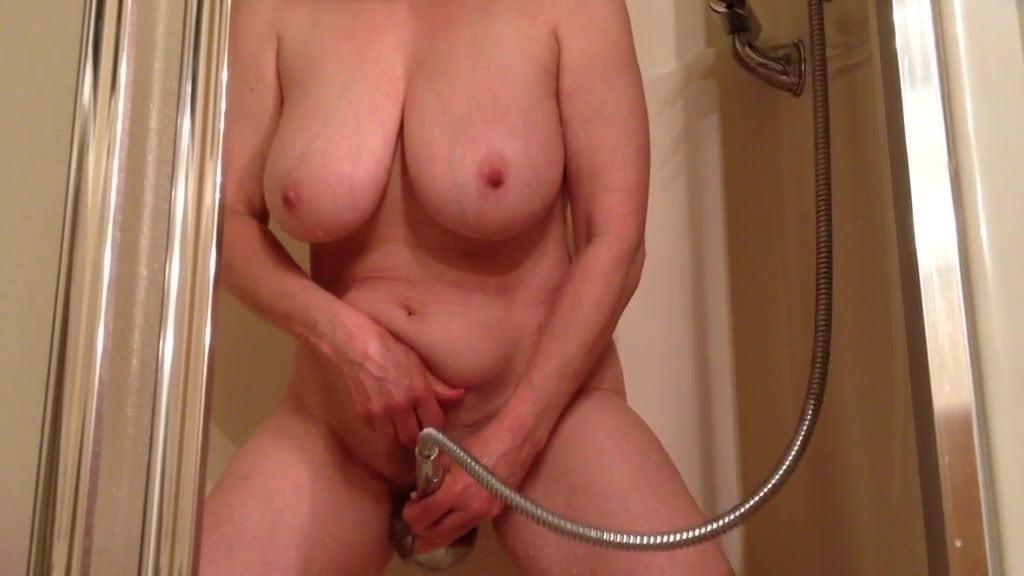Amateur Mature Bathroom Masturbation