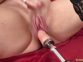 Amateur mature women masturbation videos Golden slut - mature women vs fucking machines compilation 5
