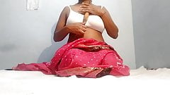 indian girl ne bellen se khud ko choda