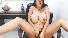 Caro Angels milk on pussy masturbating until squirt