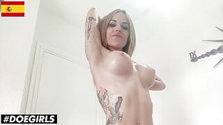 DOEGIRLS - Baby Ink Plays With Pussy After Morning Workout