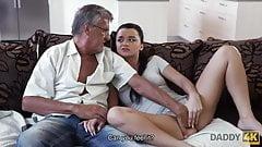 Tata niegrzeczna dziewczyna erica czarny uwodzi tata bf s do pieprzyć h