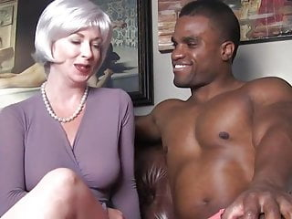 Sexy mesages Sexy milf seduces black stud