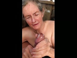 Grannys eating cum - Granny makes handjob for eat sperm 02