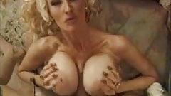 Extravagants mature tits2
