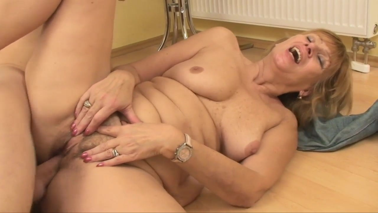Mom Golden Shower Xxx Galery