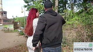 Rote Haare und Lippen gespritzt abgeschleppt
