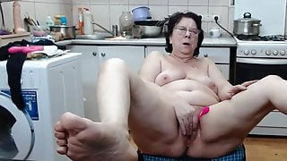 Granny squirts