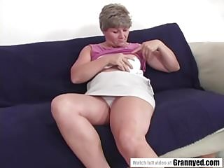Mommy loves young cocks Booty mommy loves wild cock ride