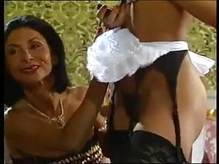 Vintage jeet kune do - Mature lady and her black maid doing a guy - vintage