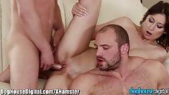 Конура, бисексуальный член делит член с парой