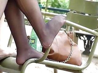 Teen gorls naked Candid nylon feet of french gorl at park