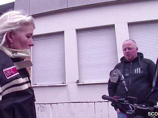 Hardcore tour Biker mutti wird durchgefickt von fremden auf ihrer tour