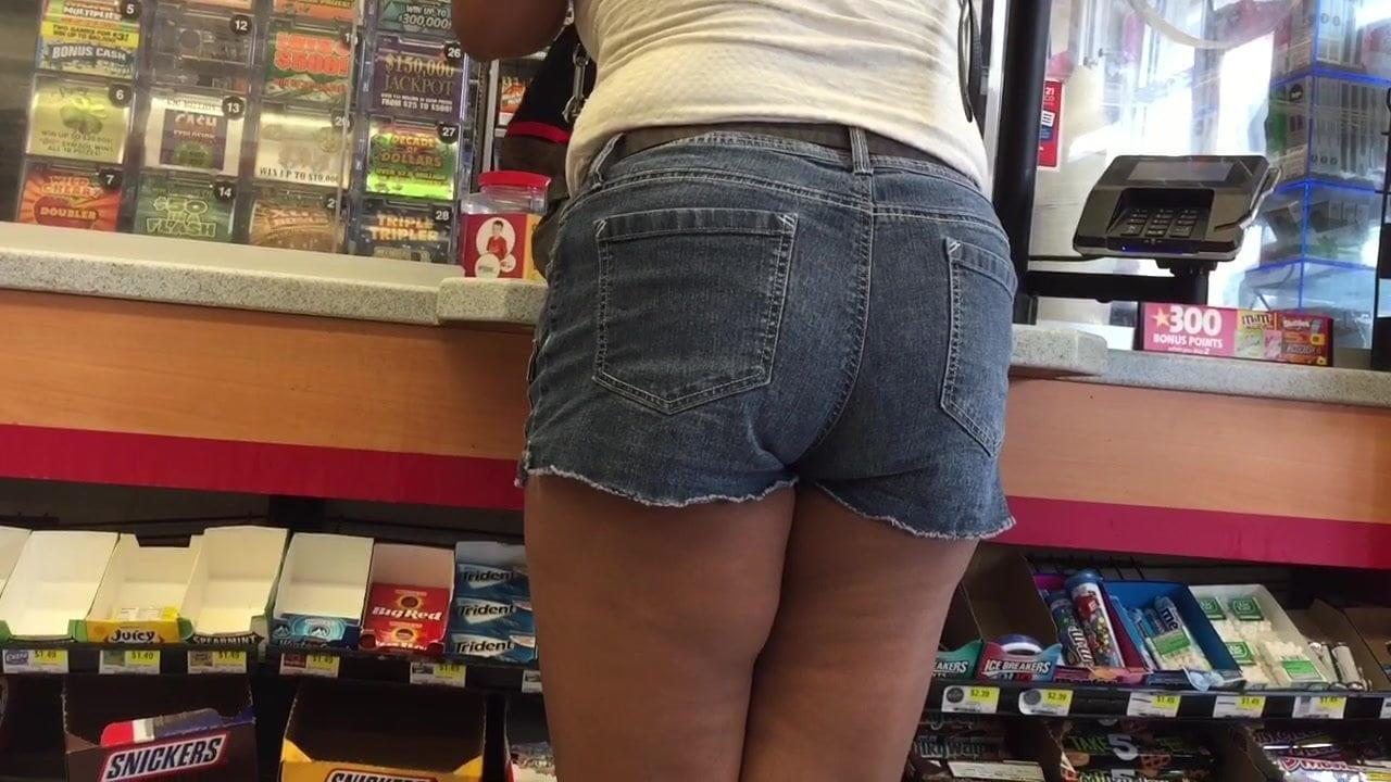 Short shorts ass pics