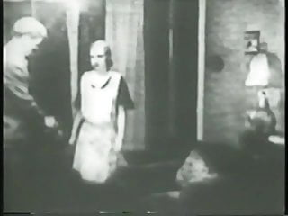 Hi im naked Two flappers dance naked with dude then rub and tug his cock together