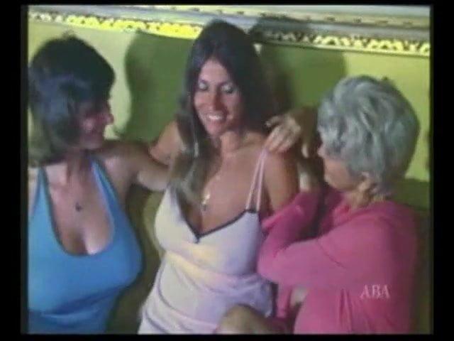 Lesbian Big Tits Eating Pussy
