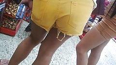 Shortinho amarelo 2