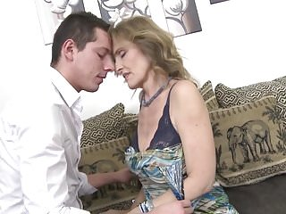 Mature pendulous tits Super talented mature aunt seduces young boy