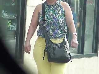 Sexy yellow sundress - Sexy milf in yellow jeans with a phat ass