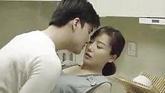 Мама и друг сына трахаются на кухне - корейский фильм