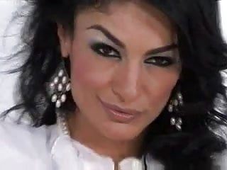 Hoties fucked - Persia pele milf hotie