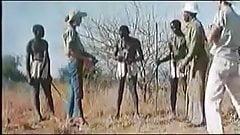 Макси взводит члены африканцам