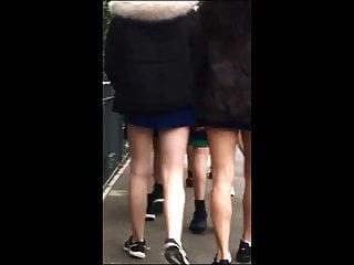 Teen miniskirt photos - Candid teen miniskirt